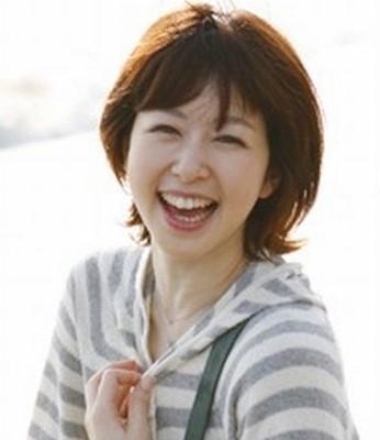 はつらつとした笑顔の堀内敬子